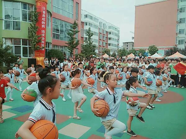 """[唐庄]同心幼儿园举行""""缤纷六一 亲子同乐""""游园活动"""