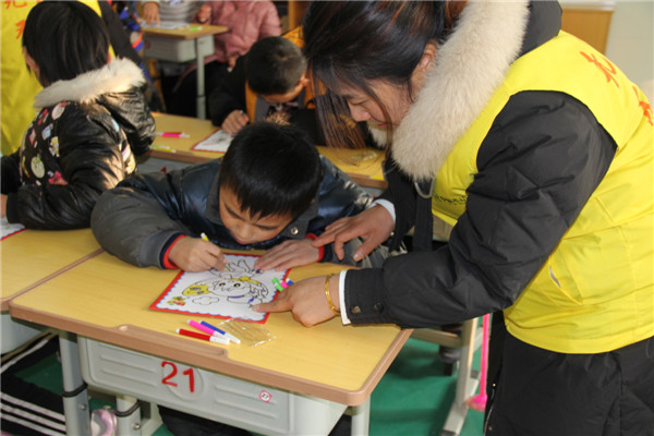 [聋哑学校]关爱残疾儿童 中强爱心行动